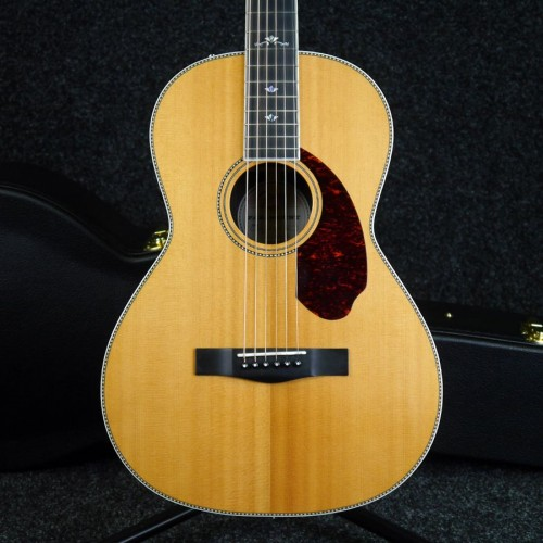 Fender PM2 Deluxe Paramount Series